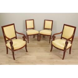 Restaurierungszeit Sessel und Stühle