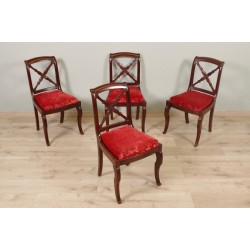 Stühle aus der Restaurierungszeit