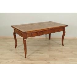 Bauerntisch aus dem 19. Jahrhundert