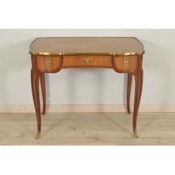 Schreibtisch im Stil Louis XV.