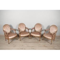 Goldene Sessel im Stil Louis XVI