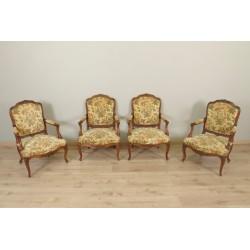 Vier Sessel im Louis XV-Stil