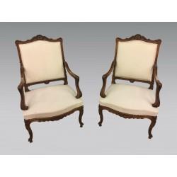 Paar Louis XV-Stil Sessel Nussbaum