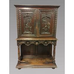 Cabinet Style Breton