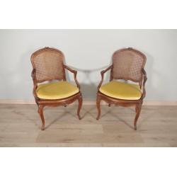 Paire de fauteuils cannés style Louis XV Nogaret